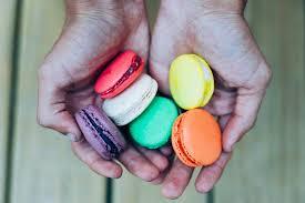 Macarons Hands